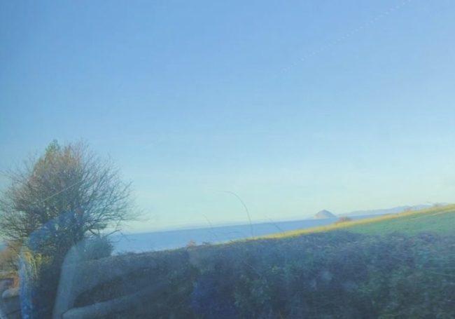 バスからスコットランドの風景