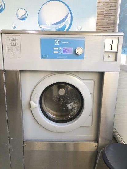 ベルギーのコインランドリーの洗濯機