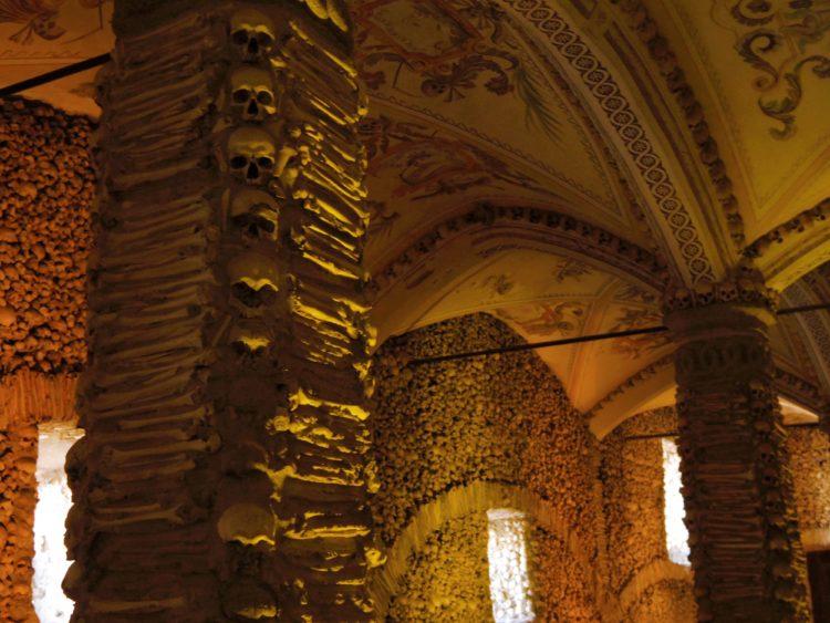 人骨礼拝堂