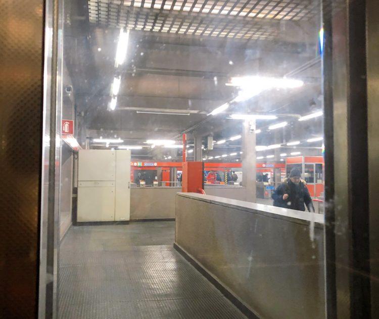 ミラノ市内の駅