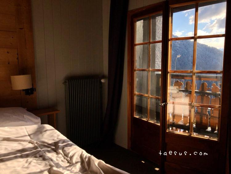 ホテルの部屋 モントルー