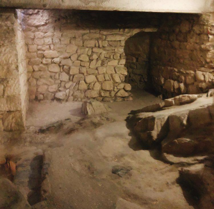 地下 シヨン城