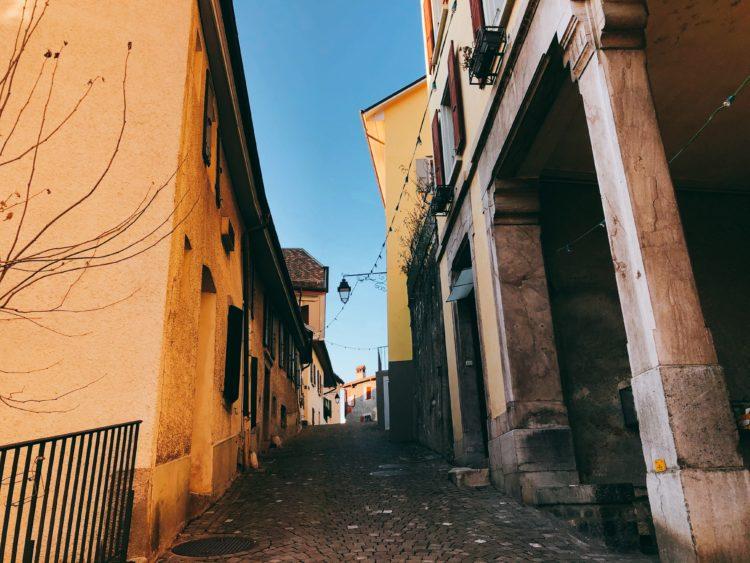 旧市街 モントルー