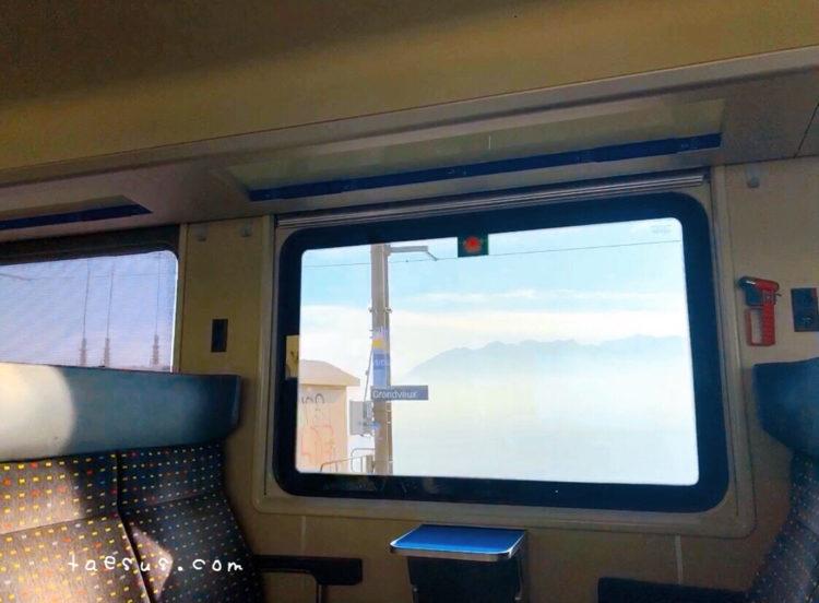 スイス レマン湖沿いの車窓