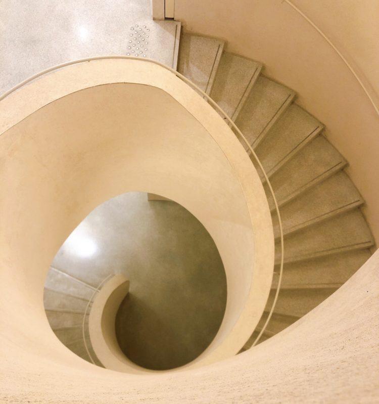 螺旋階段 コルマール