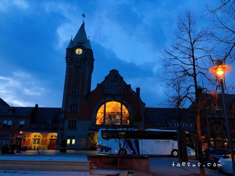 コルマール 駅 夜