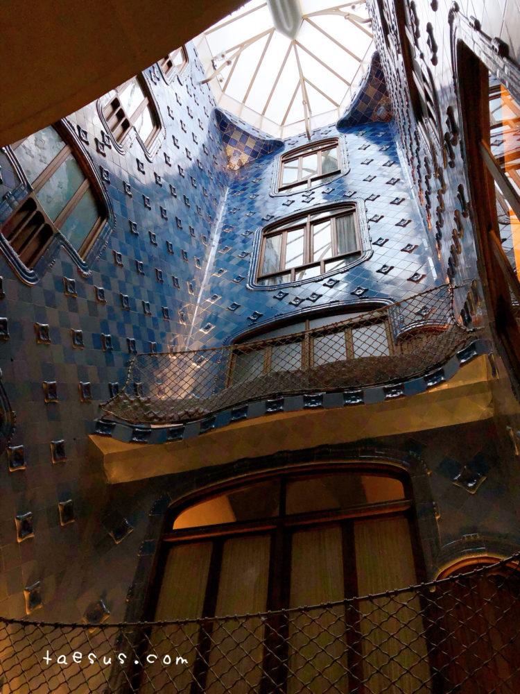 階段 カサ・バトリョ