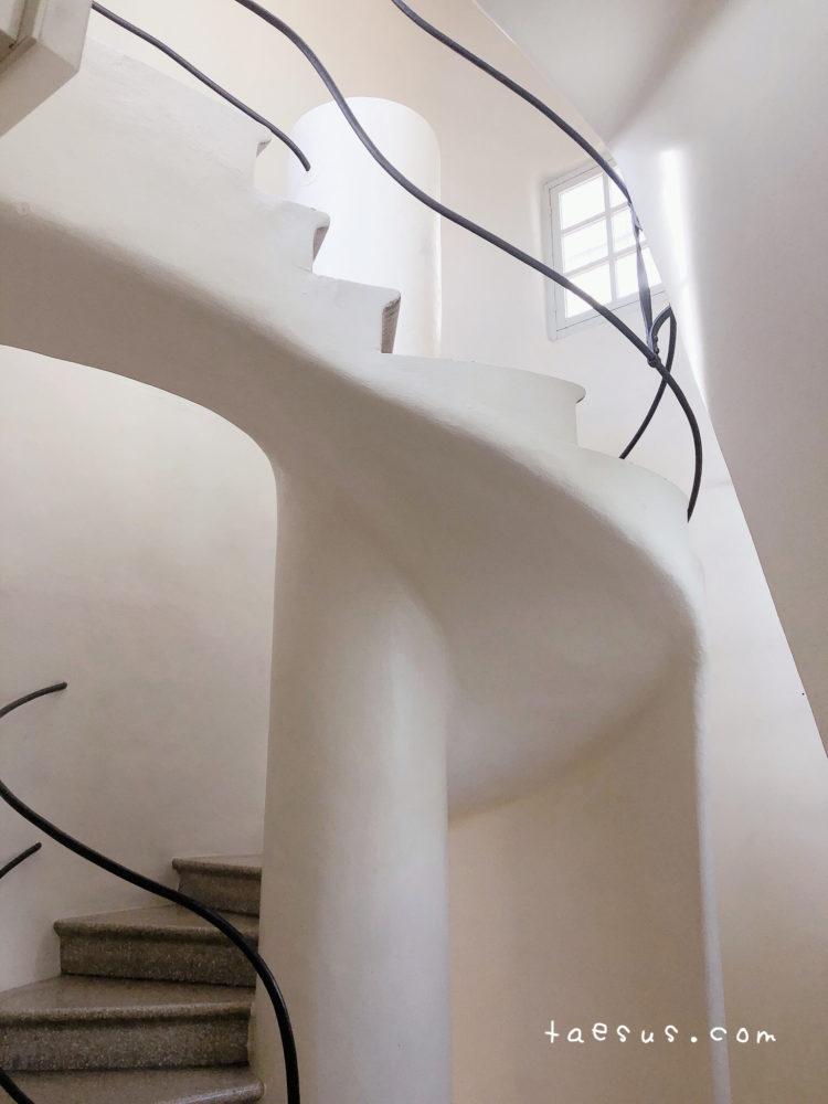 カサ・バトリョ 階段